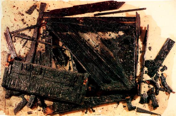 Arman combustion le piano de neron
